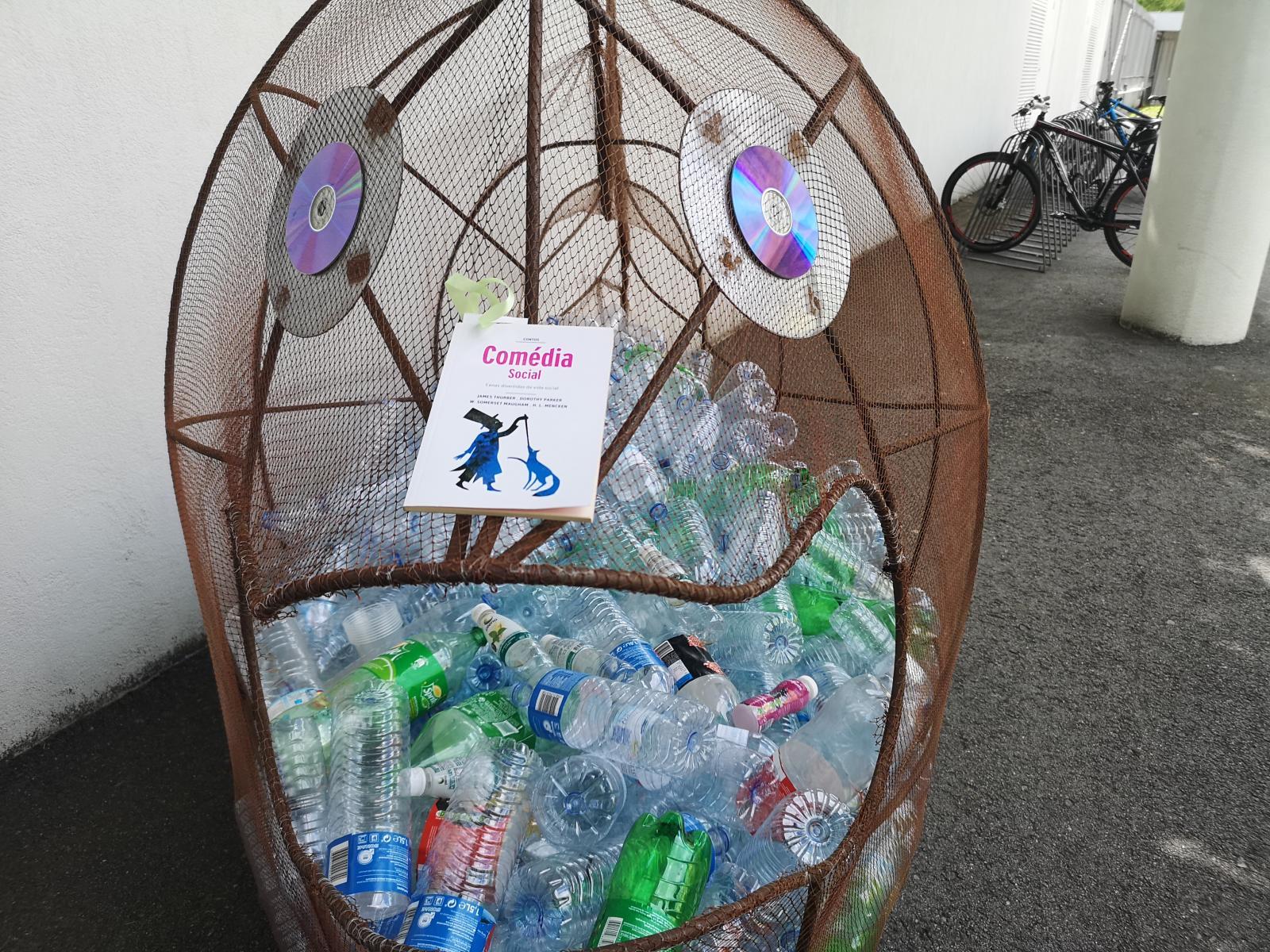 O Plástico: Reciclar e Renovar Mentalidades